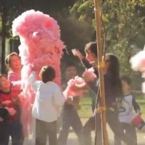 Esta campaña protagonizada por un algodón de azúcar tiene un importante aviso para los padres 4