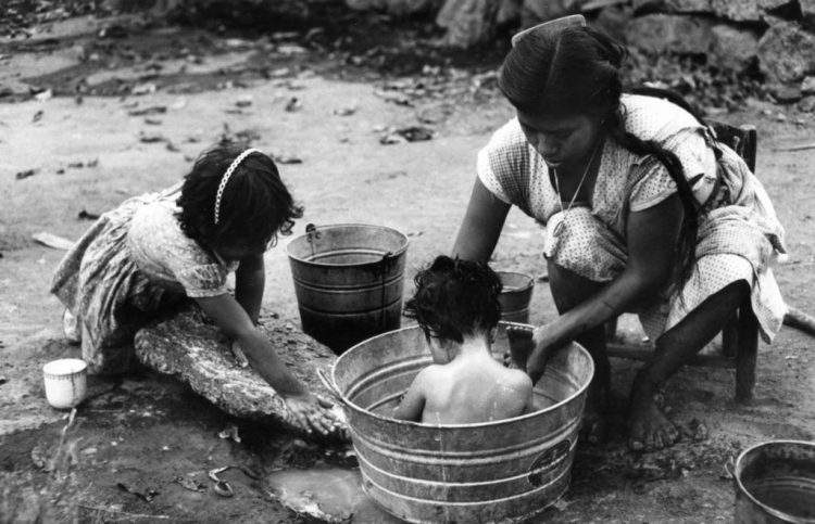 Ken Heyman maternidad pobreza