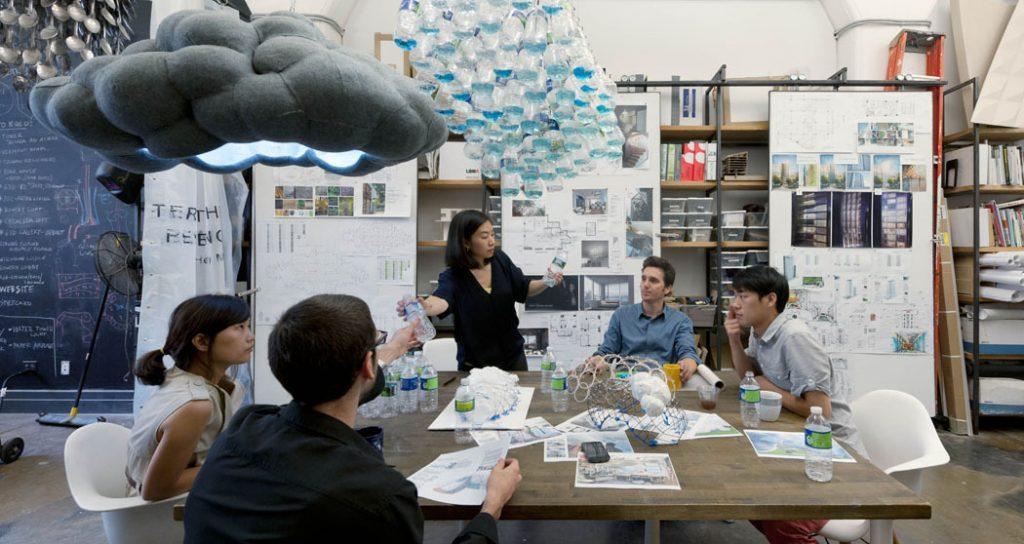 STUDIOKCA reciclaje intervención urbana diseño social estudio