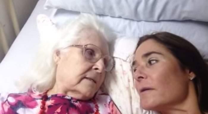 Una madre con alzhéimer reconoce por un instante a su hija y le confiesa cuánto la quiere #DiaMundialAlzheimer 2