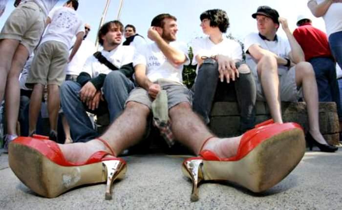¿Por qué los hombres dejaron de usar tacones? ¿Por qué los están volviendo a usar? 2