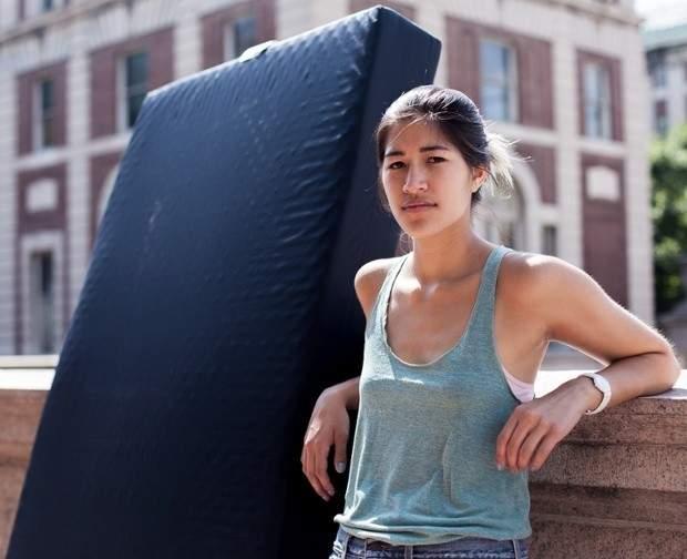 Emma Sulkowicz es una estudiante de Arte en Columbia