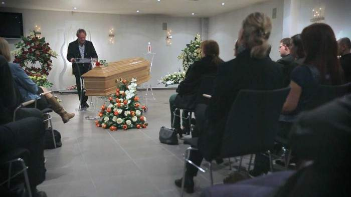 Iban a reunirse con sus amigos, pero acabaron asistiendo a su propio funeral 13