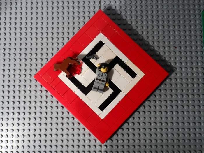 Un chico de 16 años explica la historia del nazismo con sus LEGO 12
