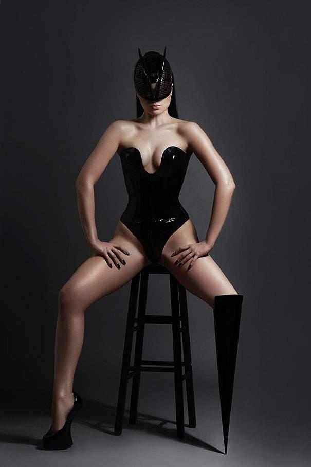 muhimu-prototype-leg-prosthetics-viktoria-modesta-protesi