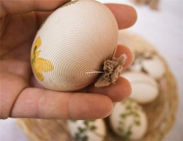 decorar huevo hojas