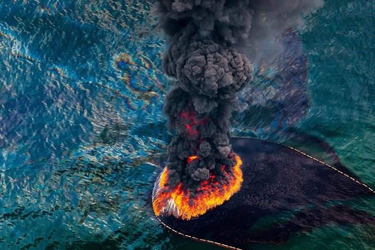Incendio en la plataforma petrolera en el Golfo de México, Abril 2010