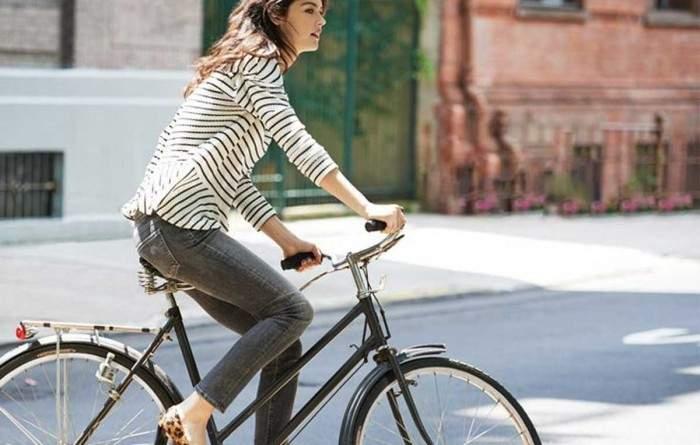 Unas emprendedoras inventan un casco que cambiará a las bicicletas para siempre 1