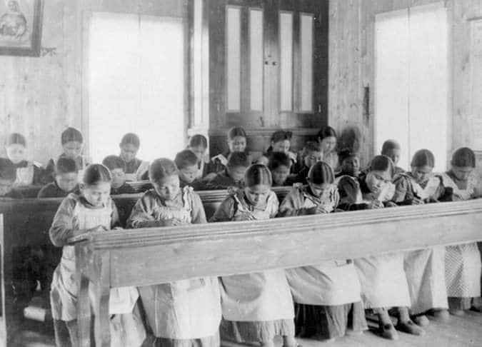 Desvelan el genocidio cultural que tuvo lugar durante 115 años en... ¿Canadá? 1