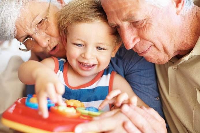 Un estudio científico concluye que cuidar de los nietos ayuda a prevenir la demencia 4