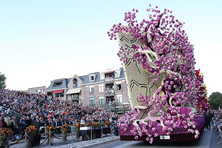 van-gogh-flower-parade-floats-corso-zundert-netherlands-8