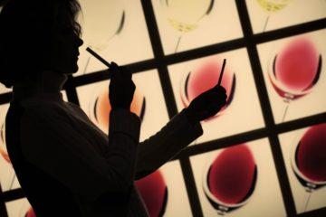 """""""Hay que embriagarse sin tregua. De vino, de poesía o de virtud, a su elección. Pero embriáguese"""" 10"""