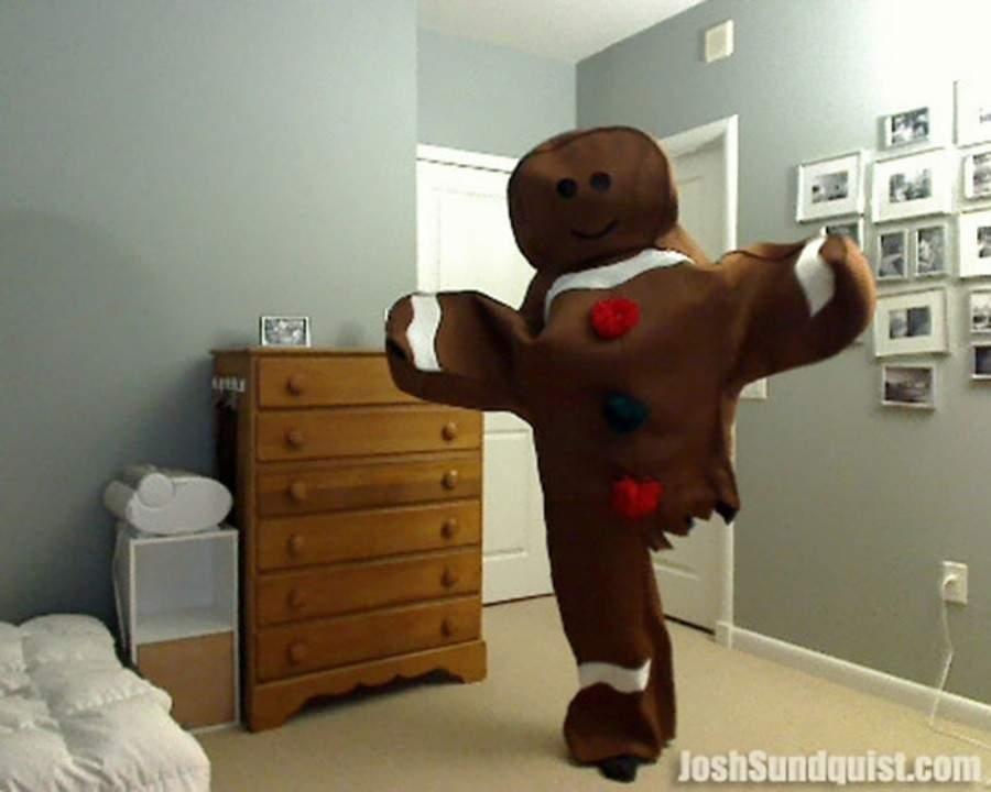 Este hombre con una sola pierna prepara un singular disfraz cada Halloween 1