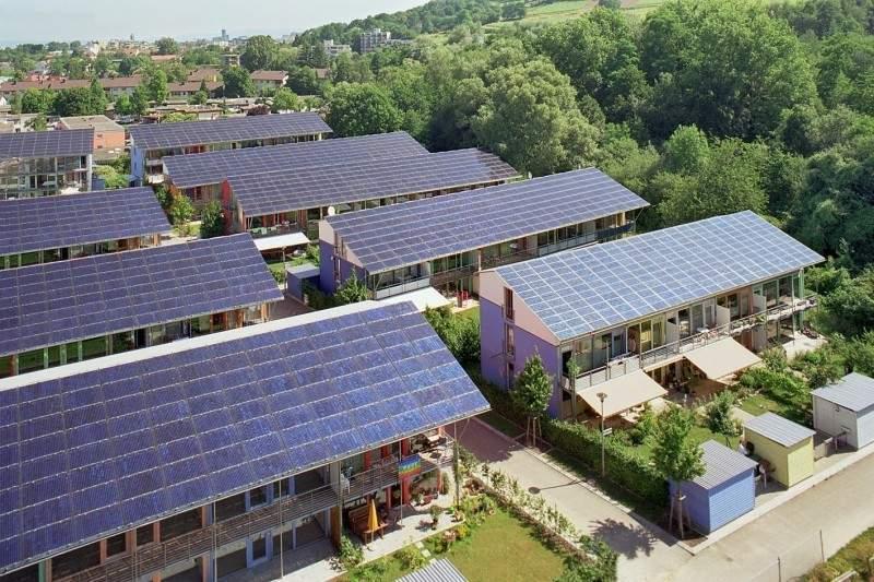 Solarsiedlung Freiburg: Plusenergiehaus® von ©Rolf Disch SolarArchitektur
