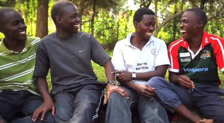 Cierra los ojos. ¿Qué imagen te viene a la mente cuando piensas en un hombre africano? 2