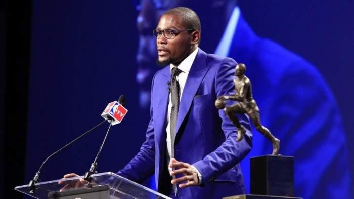 El emotivo discurso de Kevin Durant al recoger el premio al mejor jugador de la NBA 2