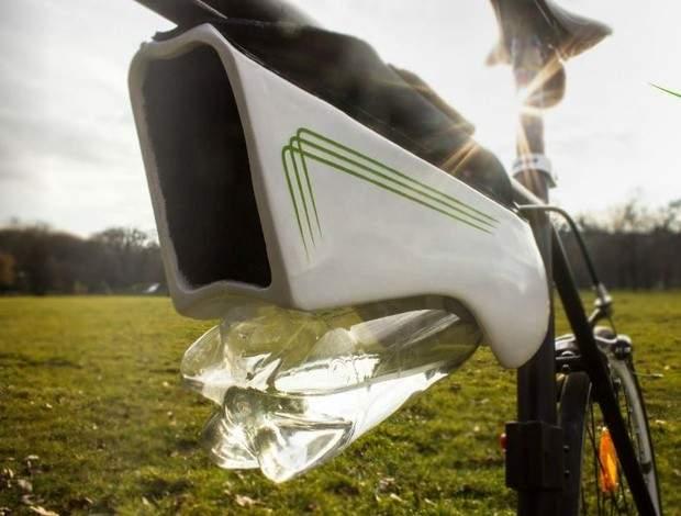"""¿Una botella que se recarga sola? """"Fontus"""" es el nuevo dispositivo que convierte el aire en agua 12"""