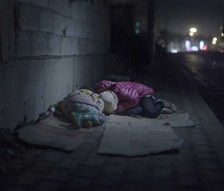 9. Ralia, 7 años -Rahaf, 13 años. Ambas en Beirut.
