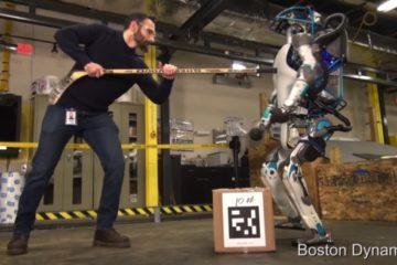 Conoce a Atlas, el robot de Google que camina, se levanta y carga objetos como los humanos 5