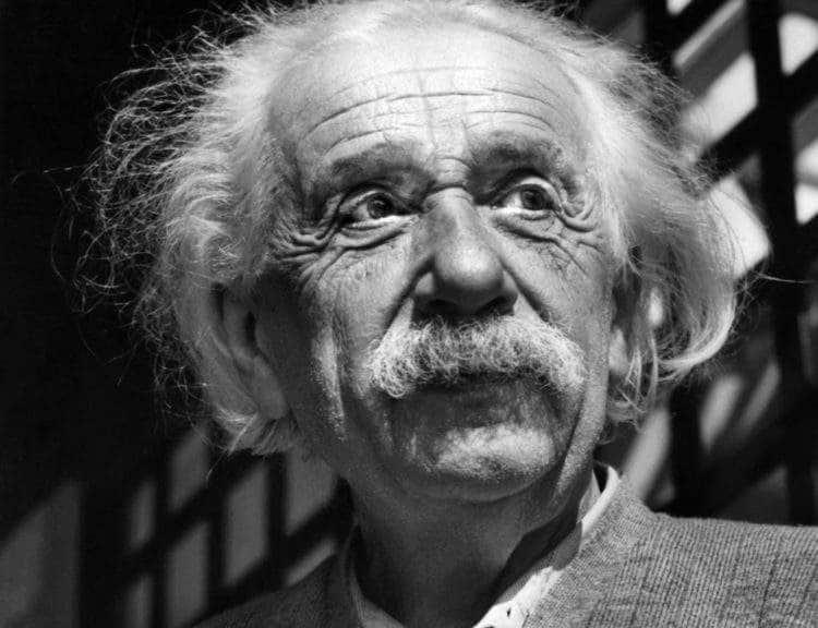 """Einstein sólo creía en el Dios de Spinoza. ¿Sabes cómo es ese """"Dios""""? 8"""