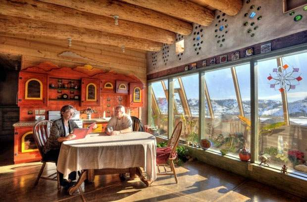 Fuente: http://earthship.com/interior-images