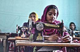 La tragedia vuelve a golpear la 'industria textil' en Bangladesh: 22 fallecidos en una nueva explosión 16