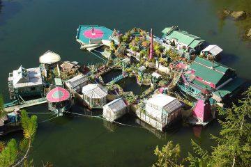 Construyen su propia casa flotante autosuficiente. Vivir off-the-grid. 8
