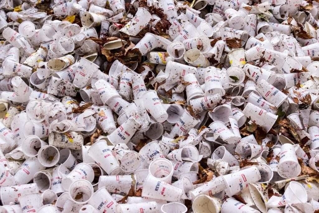 Francia dice no a los platos y vasos de plástico. ¡Que cunda el ejemplo! 1