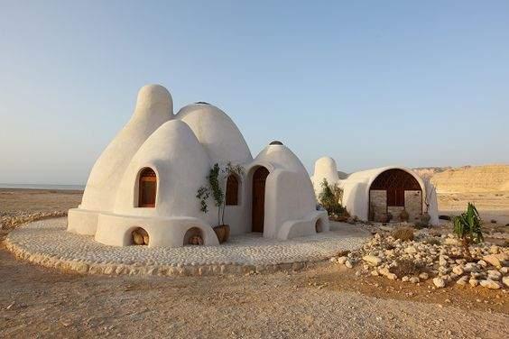 Casas ecológicas desde 150 euros. La técnica del superadobe 7