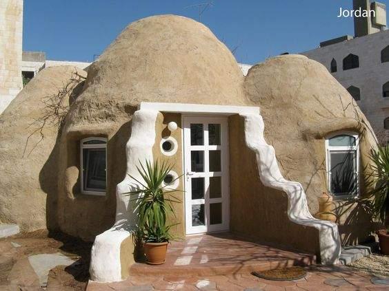 Casas ecológicas desde 150 euros. La técnica del superadobe 2