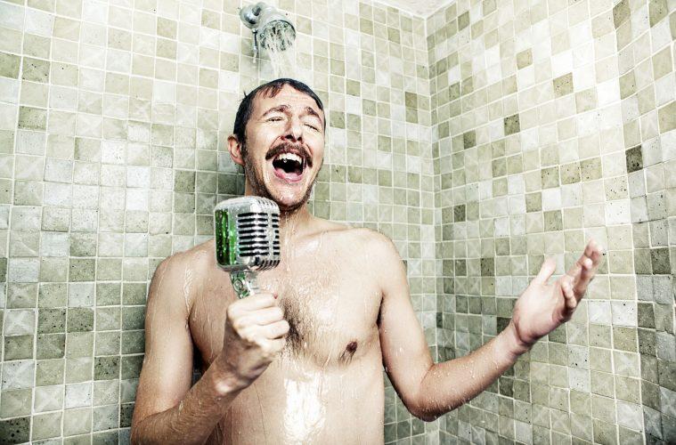 La ciencia tiene buenas noticias para quienes cantan en la ducha 2
