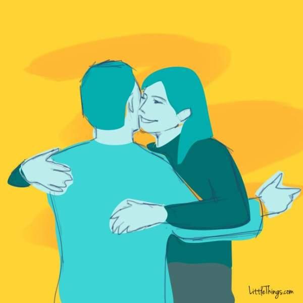Abrazo con suaves palmadas