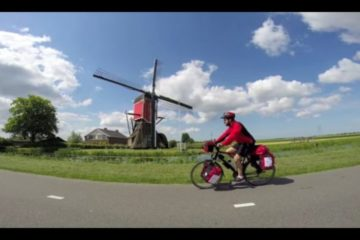 Hace 3.000 km en bici comiendo comida que recoge de la basura por una buena causa 5