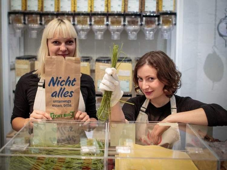 Milena Glimbovski y Sara Wolf, las creadoras de Original Unverpackt Fuente: http://highexistence.com/