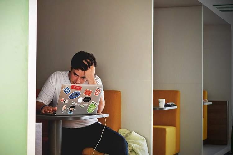 ¿Te imaginas un mundo en el que el trabajo se quedase en la oficina? Francia lo hace obligatorio 4