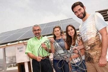 Una familia española se libera de la red comercial y genera su propia energía 10
