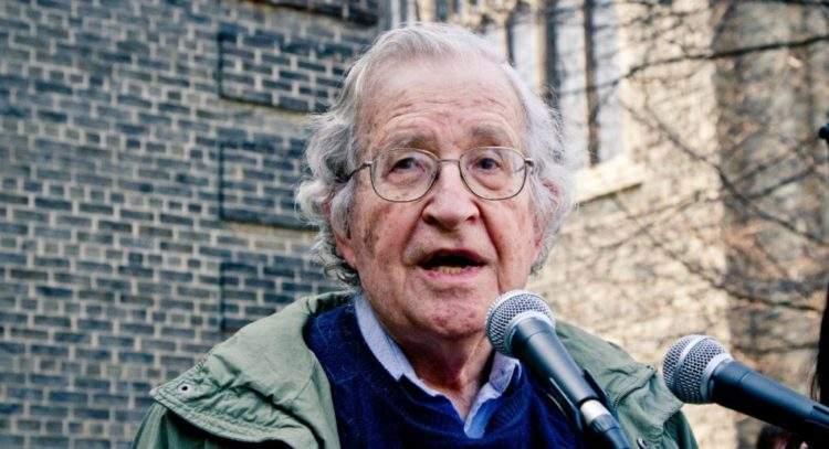 Noam_Chomsky_Toronto_2011-e1490123595722.jpg