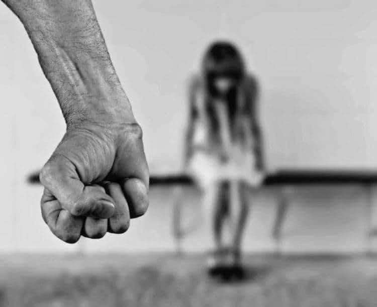 Razones con las que las adolescentes aún justifican que un hombre le pegue a su pareja 2