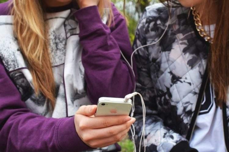 El contrato entre padres e hijos más imitado: 18 puntos que deben respetar antes de comprarles un móvil 3