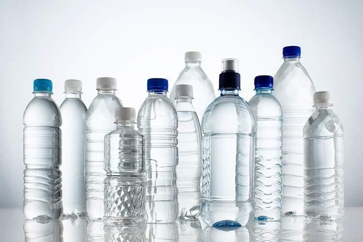La primera gran cadena de supermercados que se niega a seguir vendiendo botellas de agua de plástico 2