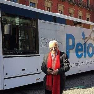 """El """"PeloBus"""" que recorre el país ofreciendo corte de pelo y aseo básico para personas sin recursos 4"""