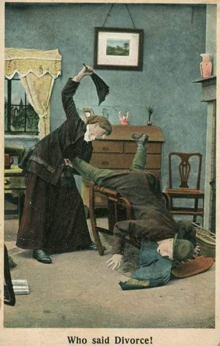 """Estas postales propagandísticas de principios del siglo XX muestran lo """"peligrosos"""" que eran los derechos de las mujeres 2"""