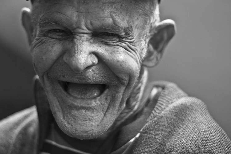 Existen 19 tipos de sonrisa, pero solo 6 son de auténtica felicidad. ¿Los conoces? 6