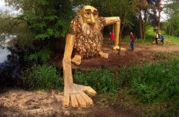 Seis gigantes de madera reciclada escondidos en  los bosques de Copenhague 6