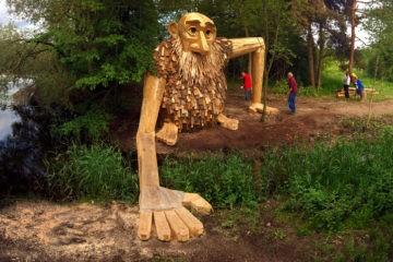 Seis gigantes de madera reciclada escondidos en  los bosques de Copenhague 14