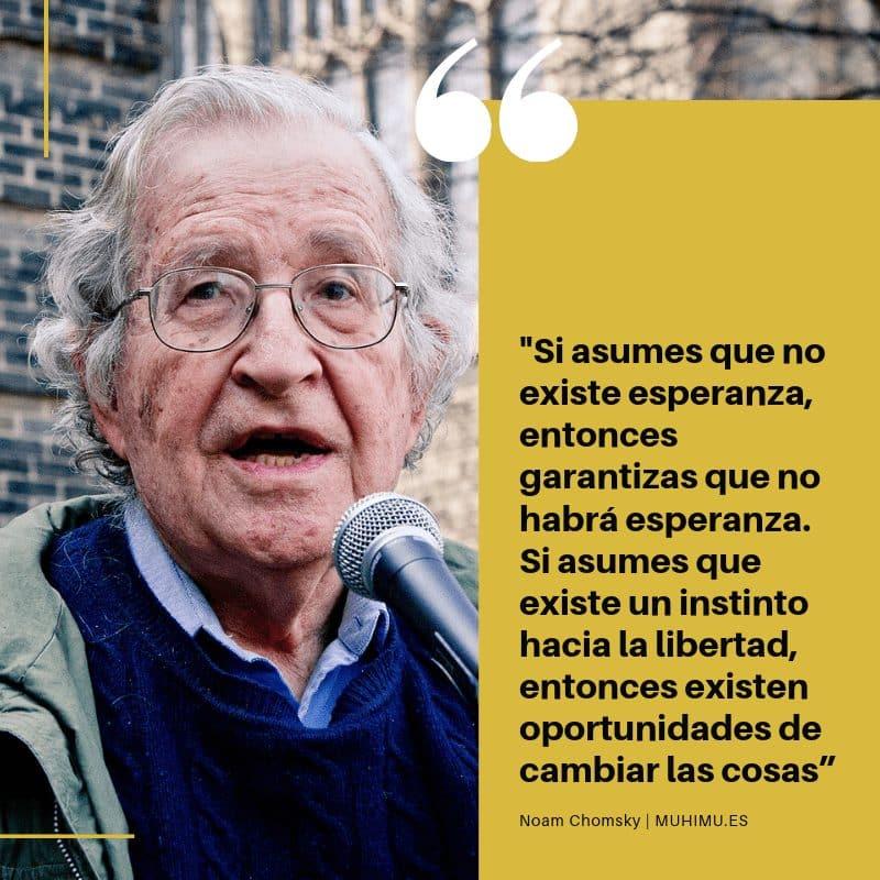 """Ellos entendieron que era más sencillo crear consumidores que someter a esclavos"" Chomsky 1"