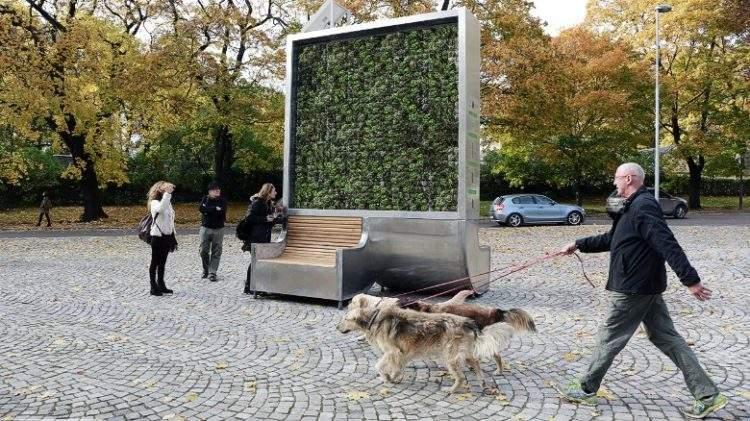 CityTree, el panel de musgo que absorbe la contaminación como si fuese 275 árboles 2