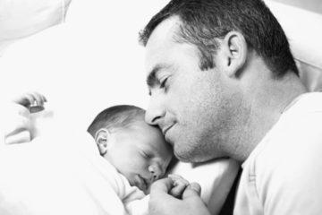 Los padres también experimentan cambios hormonales que les ayudan a cuidar de sus bebés 10