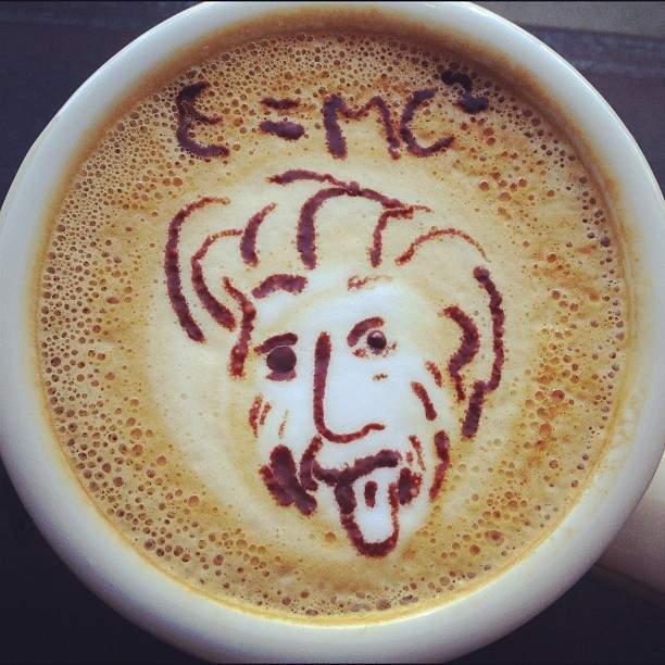La curiosa historia detrás la foto más famosa de Albert Einstein 2