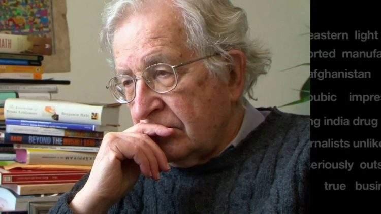 """Chomsky: """"los escándalos de Trump son solo una distracción para esconder lo que pasa detrás"""" 1"""